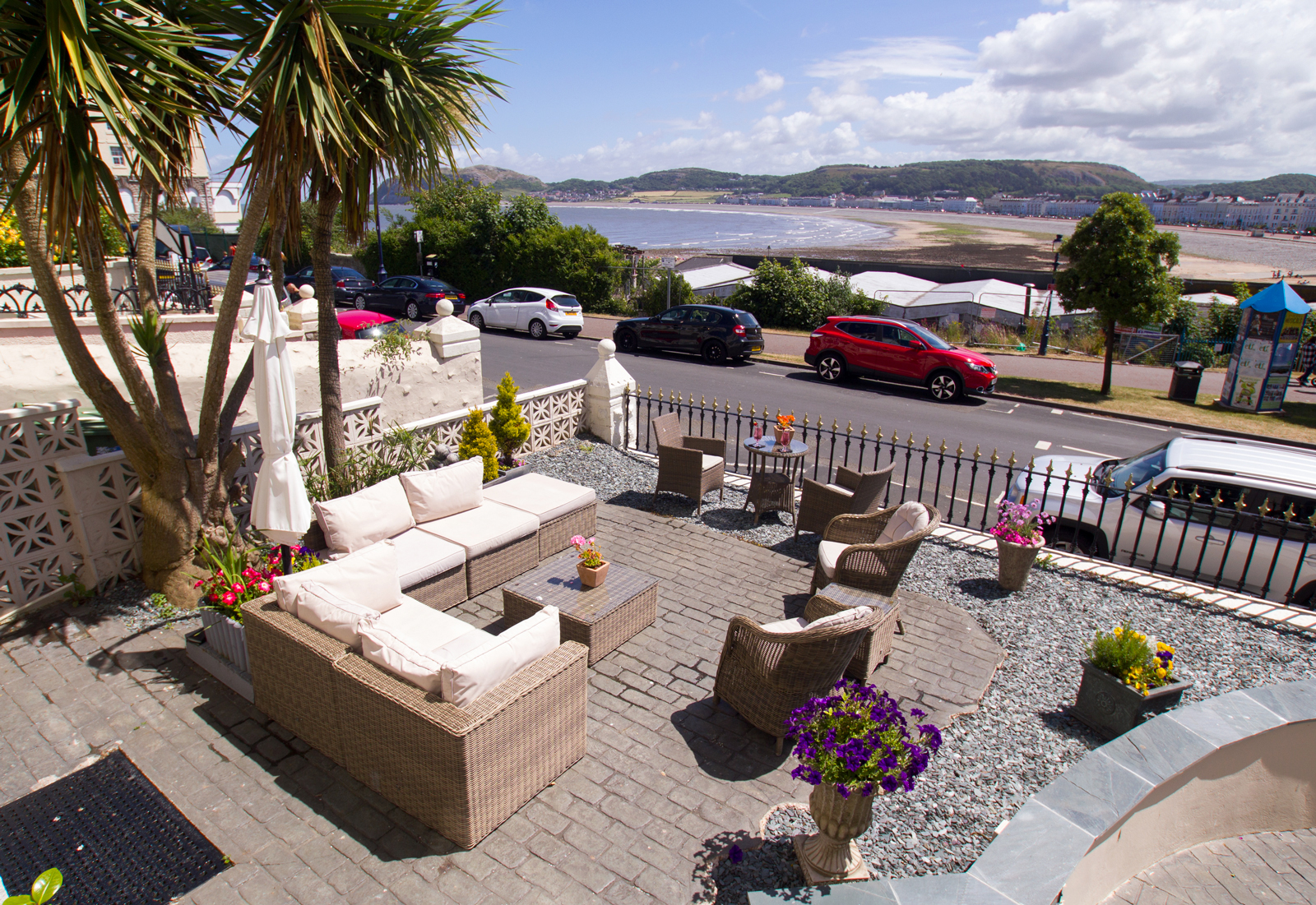 The Elm Tree Hotel, Llandudno - Terrace View