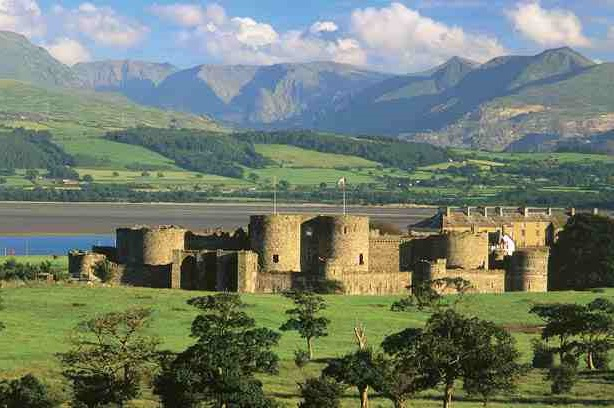 Castles and Snowdonia Tour